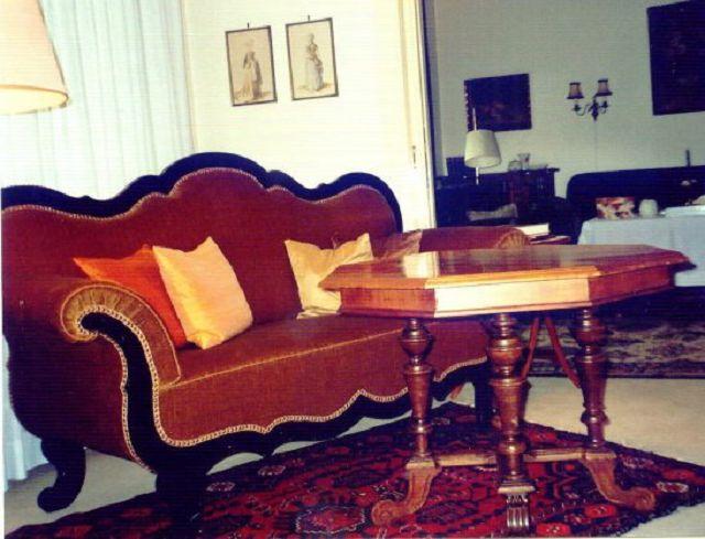 sofa historismus die kunst und antiquit tenb rse. Black Bedroom Furniture Sets. Home Design Ideas