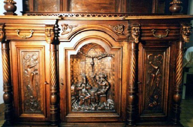 Prachtvoll Verzierter Schrank Neogotik Die Kunst Und